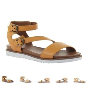 Madeline Sandals Size 8 - New